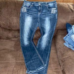 Woman's size 34 Grace in LA jeans EUC 33 inseam